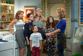 fuller house tv show. Interesting Show U0027Fuller Houseu0027 Season 3 To Premiere On 30th Anniversary Of U0027Full With Fuller House Tv Show U