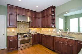 Venetian Gold Granite Kitchen This Fabulous Kitchen In Laytonsville Md Features Diamond