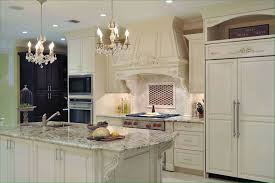 Modern Off White Kitchen White Cabinets White Kitchens With Islands