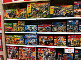 lego 2016 set the shelves at toys r us