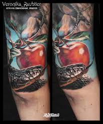 фото татуировки татуировка змея и яблоко в стиле реализм