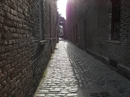 Alleyway against a wall creampie