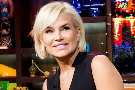 Easy Hair Style For Girl yolanda foster haircut see photo of her short style the daily dish 8035 by wearticles.com