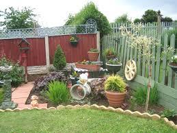 Best 25 Small Backyard Landscaping Ideas On Pinterest  Small Home Backyard
