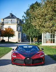Compared with divo, the divo's slimmer side line makes the vehicle look lower and longer. Bugatti Divo Custom Lady Bug Took 2 Years To Complete