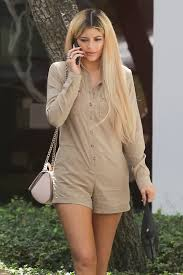 Kylie Jenner\u0027s Colorful Year of Hair Colors - Kylie Jenner Blonde - 6