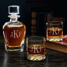 sublime gadgets classic monogram engraved decanter and whiskey glass set monogrammed glasses etched glas