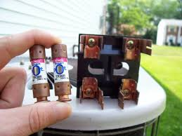 how to replace air conditioning fuses dengarden old fuse box parts at In Your Fuse Box You Have 2 Big Fuses