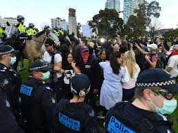 .snap lockdown from 11.59pm tonight, hundreds have gathered at melbourne cbd to protest the the hard lockdown comes as the holiday inn cluster grew to 13 cases overnight, now spreading. Vic Lockdown Protesters Arrested Fined The Canberra Times Canberra Act