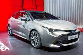 2018 Toyota Auris Hybrid front three quarters at the 2018 Geneva ...