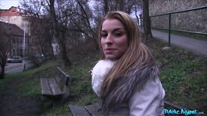Picking up Victoria Daniels on a public bench outdoors Gosexpod.