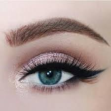 makeup for blue eyes check the best eyeshadow shades and palettes for blue eyes mosspink shibazakura
