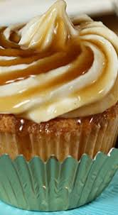 jack daniels honey whiskey cupcakes with a bourbon drizzle recetas ricas magdalenas postres
