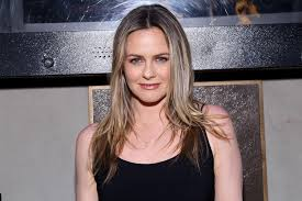 Alicia silverstone is no longer totally clueless about tiktok. Alicia Silverstone Has No Memory Of Clueless Filming
