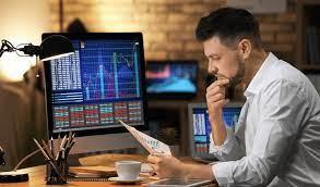 حقيقة التداول عبر الانترنت والمخاطر المحتملة للمستثمرين في هذه المغامرة