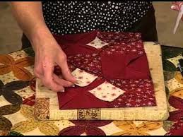 how to quilt - Cathedral Windows quilts machine sewn video ... & how to quilt - Cathedral Windows quilts machine sewn video - YouTube Adamdwight.com