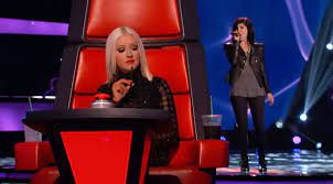 Kaley Cuoco cries as sister Briana Cuoco wows Christina Aguilera, Cee Lo  Green on 'The Voice' - New York Daily News