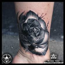 черная роза с кляксами добавлено владимир череп