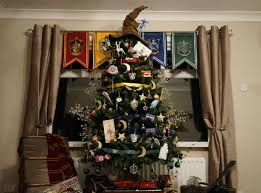 Over 116,000 People Have Shared This 'Harry Potter' Christmas Tree | SELF