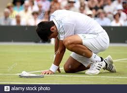 Tennis - Wimbledon - All England Lawn Tennis & Croquet Club, Wimbledon,  England - 25/6/10 Serbiens Novak Djokovic während seiner dritten Runde  Spiel Pflicht Kredit: Action Images / Paul Childs Stockfotografie - Alamy