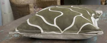 Cuscini per divani a fior di pelle cuscini grandi per pavimento