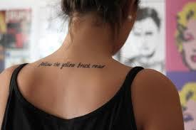 Tatuaggi Con Scritte Esempi E Idee Su Come E Dove Farseli Posti