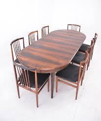 round top measures 43 inch diameter elegant danish circular dining table with 3 additional leaves