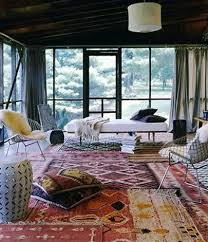 persian rugs are beautiful and luxurious but decorating with them can be tricky especially if your style isn t traditional here are some great spaces that