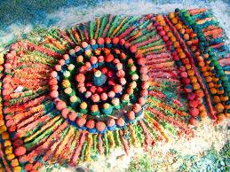 aboriginal sand painting creation by walangari karntawarra