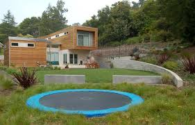 Backyard Walls, Backyard Trampoline Backyard Landscaping Huettl Landscape  Architecture Walnut Creek, CA