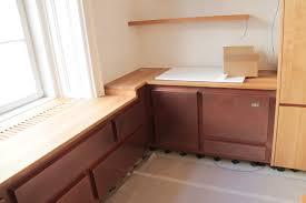 Küche mit Kupfer lackiert und einer Arbeitsplatte in Eiche