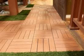 Piastrella In Legno Per Esterni : Pavimento piastrelle bamboo wpc per esterni cm