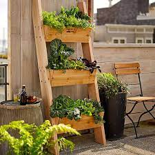 5 vertical vegetable garden ideas for