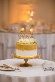 Hand Painted Gold Weddding Cake Chez Chicago Wedding Venue
