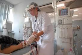 Resultado de imagem para imagem tecnica de enfermagem em hemodialise