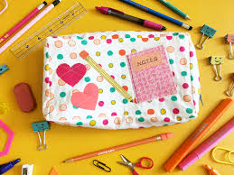 Don't think you need to be going back to school to make one for yourself!  Everyone needs a nice pencil case to store all their goodies.