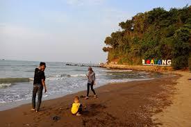 Bahagia selalu sehat dan dimudahkan rezekinya. 5 Pantai Di Batang Yang Harus Anda Kunjungi Halaman All Kompas Com
