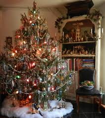 vintage christmas tree pictures.  Tree Vintagechristmastree Inside Vintage Christmas Tree Pictures
