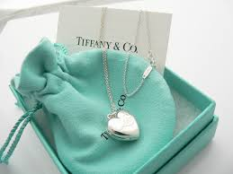 tiffany co silver heart love locket necklace pendant charm 18 25 in chain