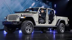 Jeep Gladiator reveal: New truck debuts at LA Auto Show