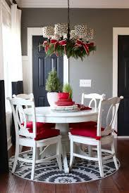 Kronleuchter Deko Weihnachten Tannengrün Zweige Schleifen