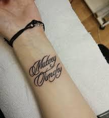 тату фото для девушек надписи на руке