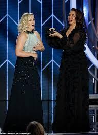 Amy Poehler Birth Plan Maya Rudolph Hilariously Proposes To Amy Poehler At Golden Globes