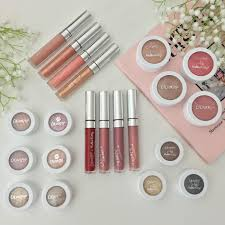 everywhere you look on insram these days is beautiful colourpop makeup wether it s for a
