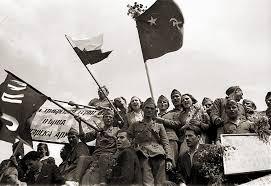 Приносът на Българската армия във Втората световна война Реферат  На немскофашистките войски не остава друго освен да започнат оттегляне на запад Това позволява на Първа българска армия да премине в преследване с