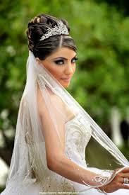 Nuovo Acconciature Sposa Con Diadema Semplice E Bello The