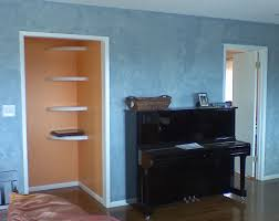 image of decorating with sponge painting walls