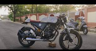 It is priced in the affordable price range and comes with free services and limited warranty from the local. Bajaj Discover Modified Into A Cafe Racer Like Royal Enfield Continental