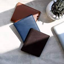 diffeiate between a bifold wallet and a best mens trifold wallet