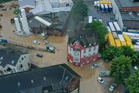 Almanya'da sel nedeniyle 6 bina çöktü, 30 kişi kayıp | Ind